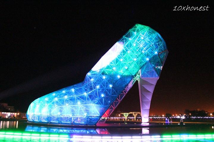 高跟鞋教堂夜景燈光